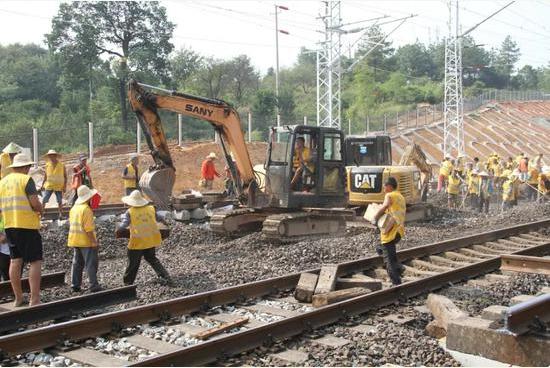 我国规模最大的运煤重载货运铁路—浩吉铁路(蒙华铁路)即将建成通车